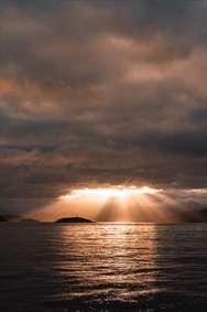 خورشید پشت ابر