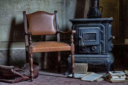 صندلی قدیمی