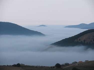 کوه ها در ابر