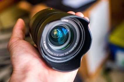 لنز و دوربین