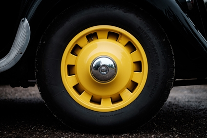 چرخ ماشین