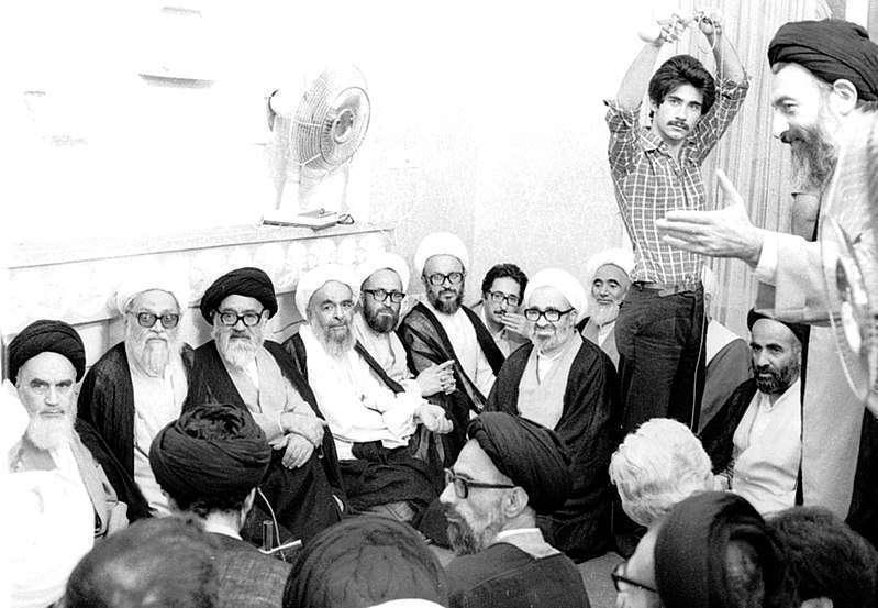 شهید بهشتی در کنار امام خمینی