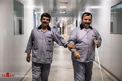 کارخانه فیروز، جایی برای اشتغال معلولین