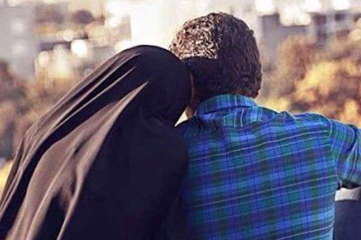 چگونه نزد همسرمان مشکلات خانواده اش را بگوییم؟