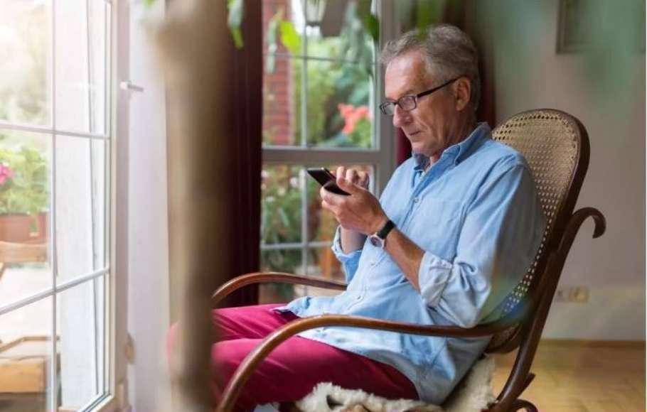 9 روش برای برقراری ارتباط با افراد مسن در قرنطینه