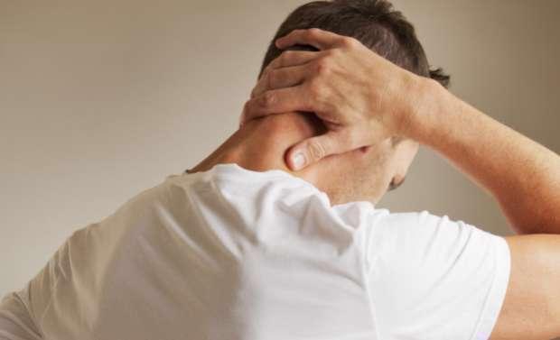 تسکین گردن درد با روشهای خانگی
