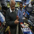 بھارت کے کارخانوں میں کرکٹ کا سامان بنانا